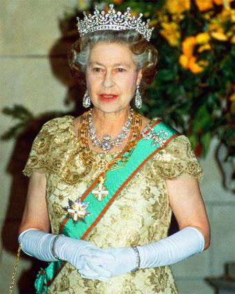 女王 エリザベス2世 : 世界27ヵ...